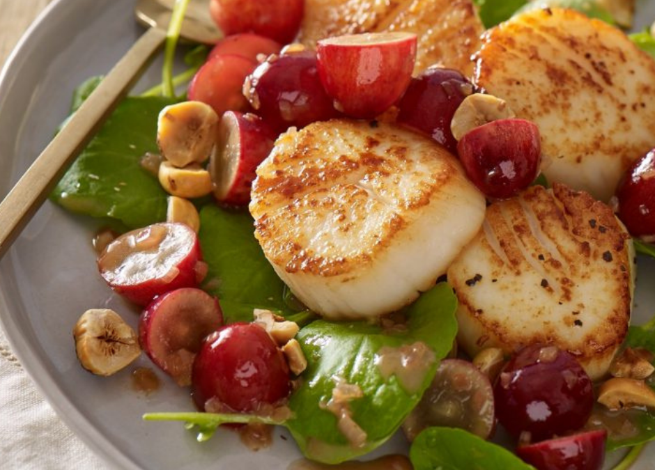 Scallops with Grapes and Watercress